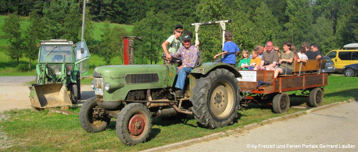 Bayerischer Wald Gruppenhaus in Bayern Gruppenunterkunft Traktorfahrenin Niederbayern